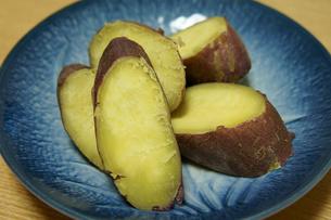 蒸かしたサツマイモの素材 [FYI00384453]