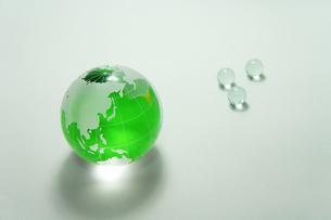 緑の地球 ガラス玉の素材 [FYI00384630]