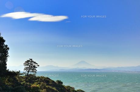江ノ島から見える富士山の素材 [FYI00385125]