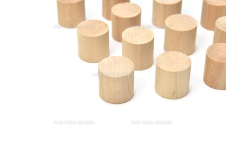 円柱体の木材の素材 [FYI00386005]