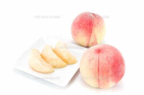 桃 カットフルーツの素材 [FYI00386757]