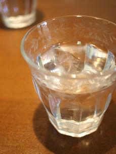 グラスに入ったお水の素材 [FYI00387320]