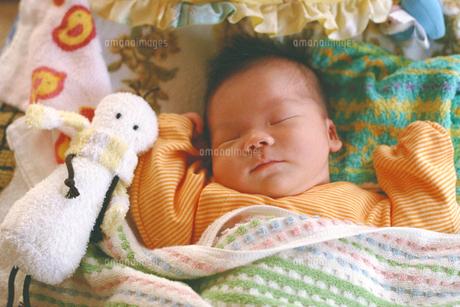 赤ちゃんお昼寝中の素材 [FYI00387341]