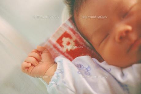 赤ちゃんの手の素材 [FYI00387348]
