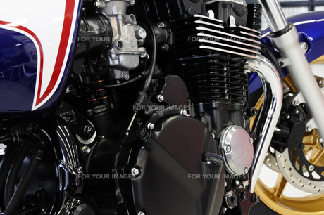バイクのエンジンの素材 [FYI00387574]