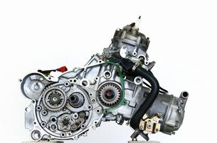 バイクエンジンの整備の写真素材 [FYI00388562]