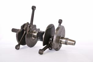 バイクエンジンのクランクシャフトの写真素材 [FYI00388646]