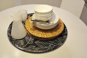 テーブルの食器の写真素材 [FYI00388855]