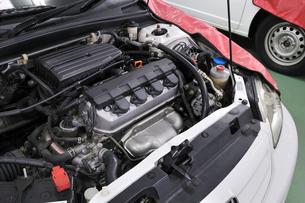 自動車の整備の素材 [FYI00388967]