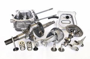 汎用エンジンの主要部品の写真素材 [FYI00389040]