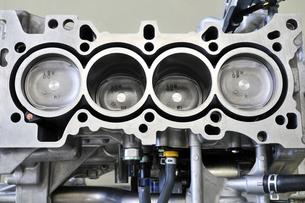 自動車のエンジンの写真素材 [FYI00389164]