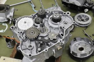 バイクエンジンの部品の写真素材 [FYI00389250]