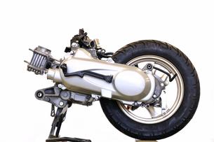 スクーターのエンジンの素材 [FYI00389337]