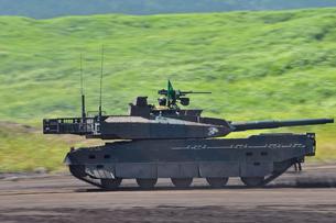 10式戦車の写真素材 [FYI00389414]