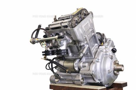 バイクエンジンの整備の写真素材 [FYI00389539]