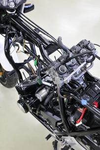 バイクの修理の写真素材 [FYI00389604]