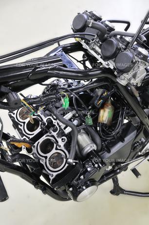 バイクエンジンの整備の素材 [FYI00389640]