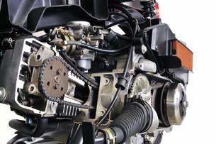 エンジンのカットモデルの写真素材 [FYI00389680]