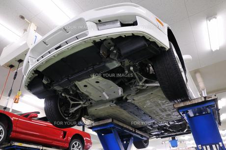 車の整備の素材 [FYI00390099]