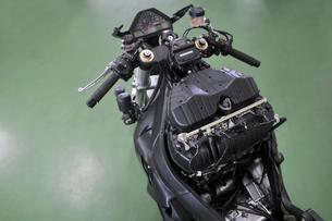 バイクの修理の素材 [FYI00390266]