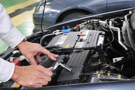自動車の整備の素材 [FYI00390267]