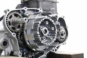バイクエンジンの整備の写真素材 [FYI00390416]