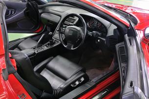 スポーツカーの運転席の素材 [FYI00390538]