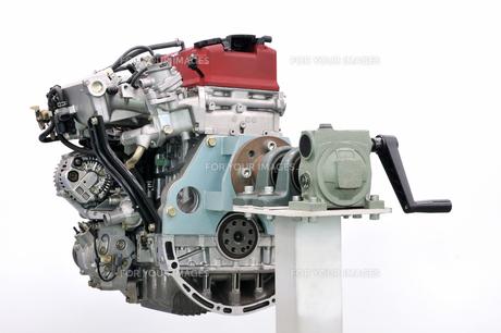 自動車のエンジンの写真素材 [FYI00390567]