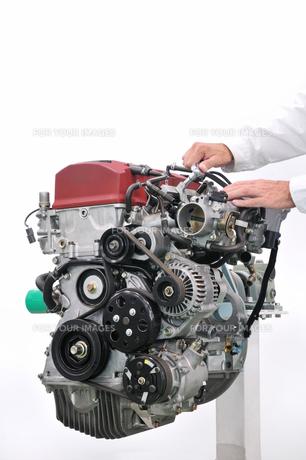 自動車のエンジンの素材 [FYI00390570]