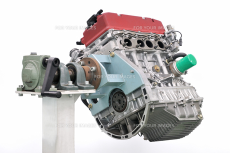 自動車のエンジンの写真素材 [FYI00390579]