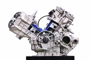 バイクエンジンのカットモデルの写真素材 [FYI00390685]