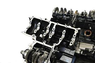 バイクエンジンの整備の写真素材 [FYI00390835]