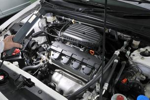 自動車の整備の素材 [FYI00391102]