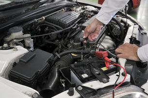 自動車の整備の素材 [FYI00391112]