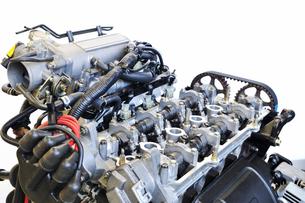 自動車エンジンの修理の素材 [FYI00391236]