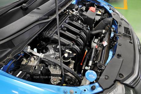 自動車エンジンの整備の素材 [FYI00391289]