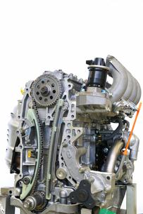 自動車エンジンの整備の写真素材 [FYI00391343]