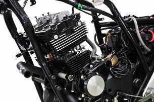 バイクの修理の写真素材 [FYI00391620]