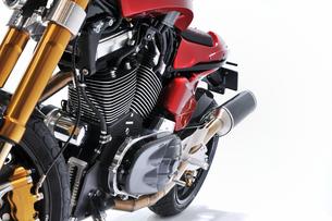 白背景のバイクの写真素材 [FYI00391811]