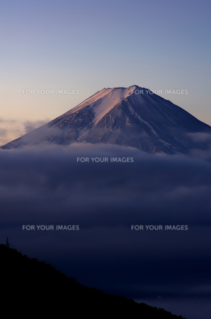 早朝の富士山の素材 [FYI00392043]