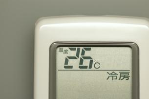 エアコンのリモコン(冷房)の写真素材 [FYI00392096]