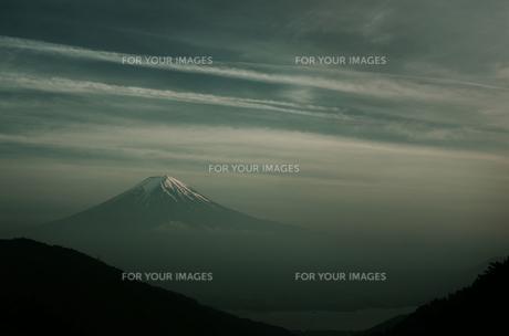 夕暮れの富士山の素材 [FYI00392141]