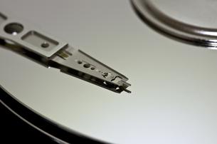 ハードディスクドライブ(内部)の写真素材 [FYI00392161]