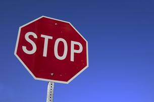 交通標識(アメリカ)の写真素材 [FYI00392171]