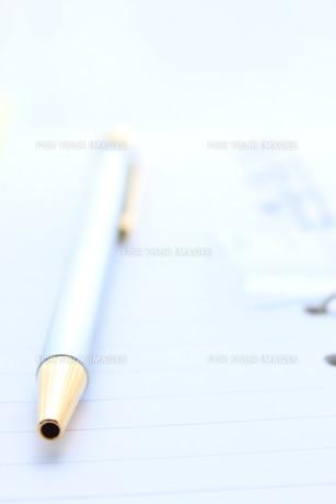 手帳とペンの写真素材 [FYI00392895]