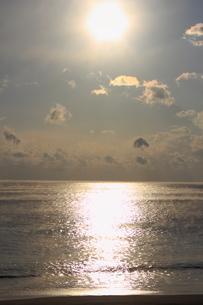 朝日と海の写真素材 [FYI00393266]