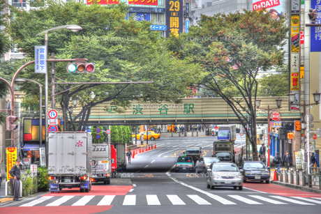 渋谷駅・宮益坂下(HDR処理)の写真素材 [FYI00393524]