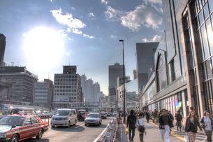 新宿駅南口前(HDR処理)の写真素材 [FYI00393684]
