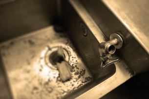 日常の1コマ「忘却のキッチン」の写真素材 [FYI00394679]