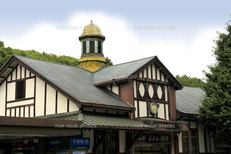 原宿駅(左前から・横)の写真素材 [FYI00396310]